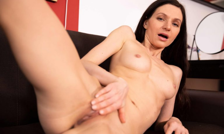 VRSexperts - Fun On The Couch