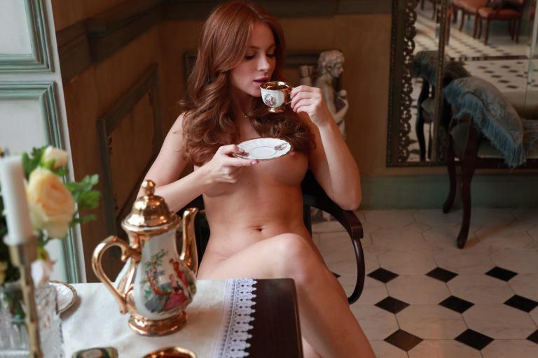 StasyQVR - Tea for Two