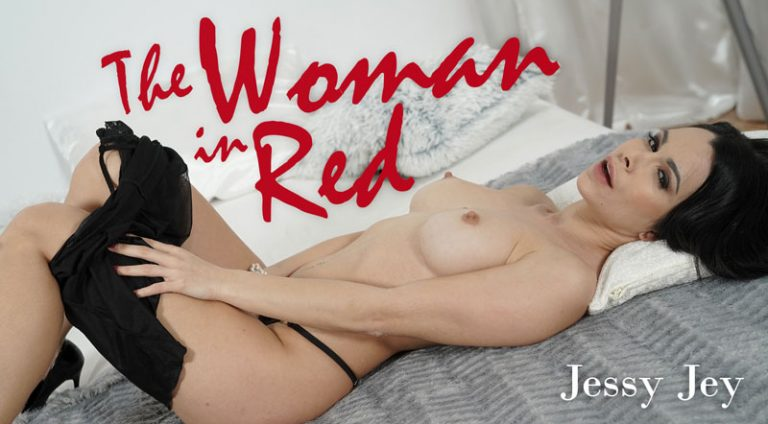 RealityLovers - The Woman in Red