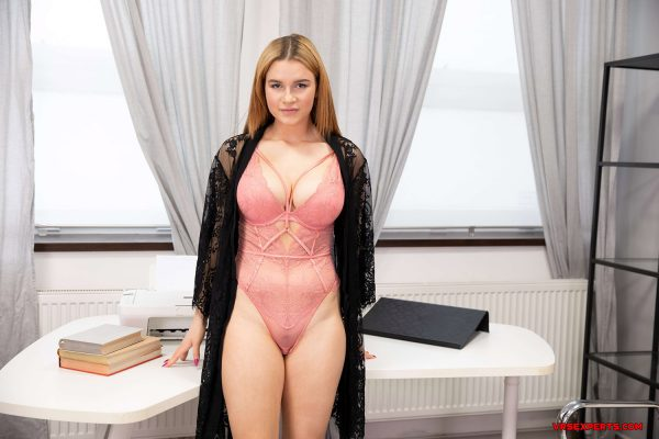 2. VRSexperts - Busty Girl In The Office