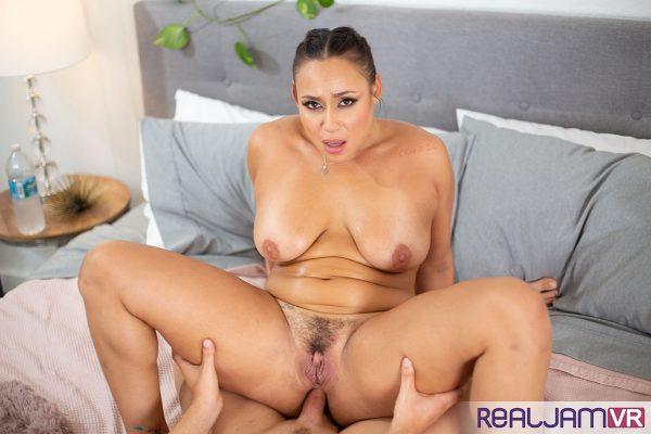 5. RealJamVR - Big Booty Carmela Clutch Anal
