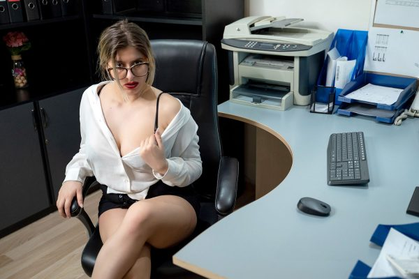 2. No2StudioVR - At the Office - Wild Secretary