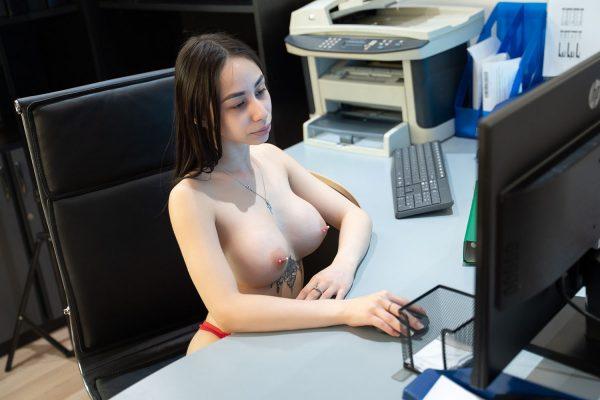 1. No2StudioVR - At the Office - Busty Secretary