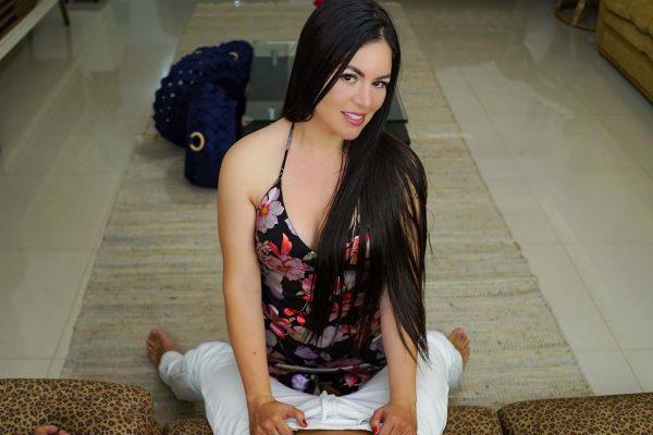 1. VRLatina - MILF Mamacita