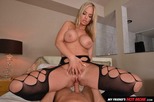 4. NaughtyAmericaVR - My Friend's Hot Mom: Rachael Cavalli